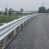 厂家直销波形护栏板 波形护栏板热镀锌 乡村公路喷塑波形护栏